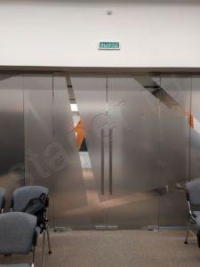 стеклянные-двери